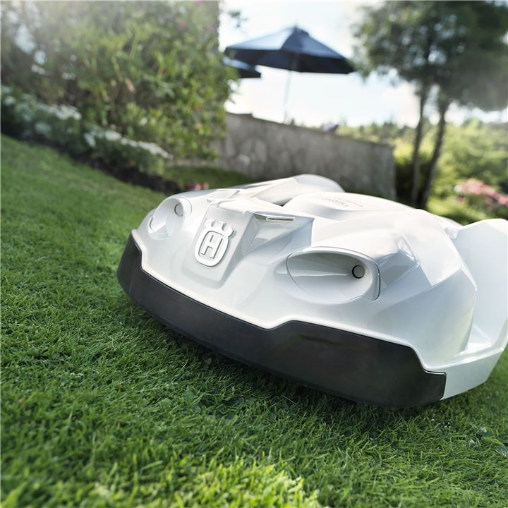 robot tondeuse husqvarna belle motoculture. Black Bedroom Furniture Sets. Home Design Ideas